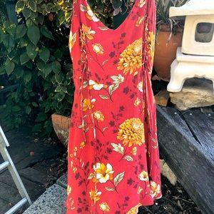 Beautiful floral dress!